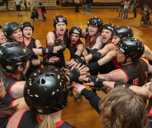 Nicked Bruised But Never Broken The Derby City Roller Girls Celebrate 10 Years Dcrg_news Scoopnest Com