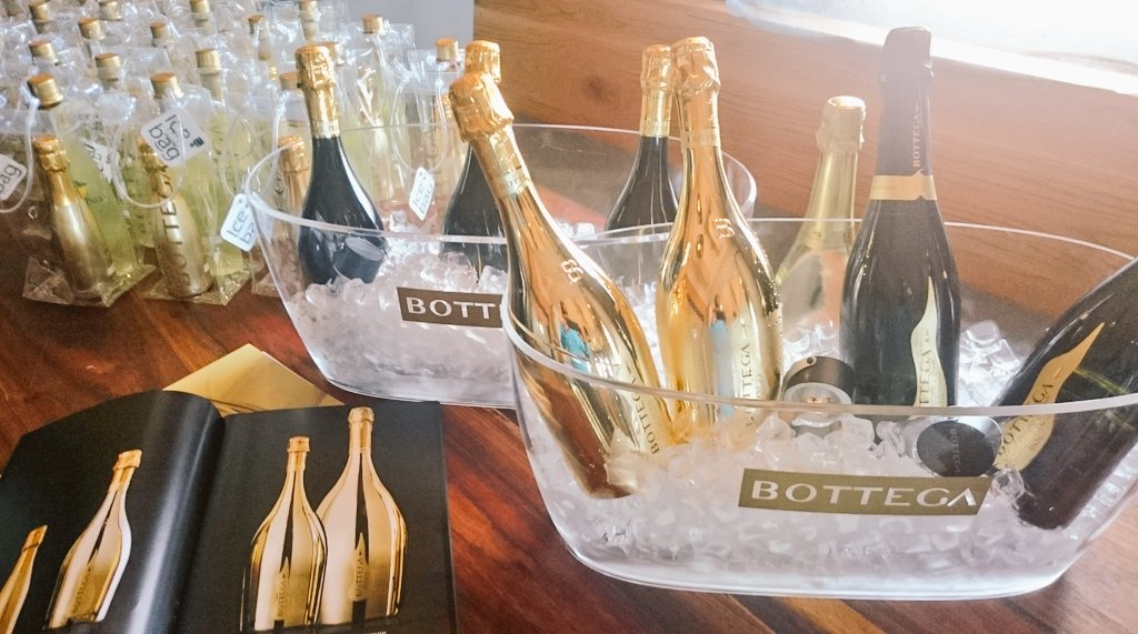 Bottega prosecco and sparkling wine (Copyright: Eugene Yiga)