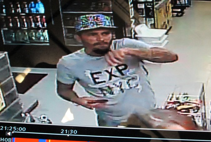 Surveillance video shows suspects in Holmes Beach credit card skimmer case