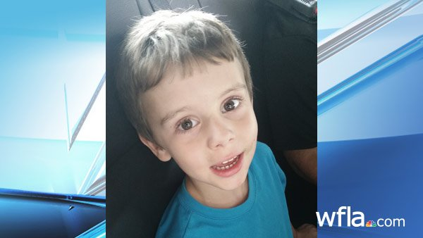 Pasco County deputies trying to identify boy found wandering