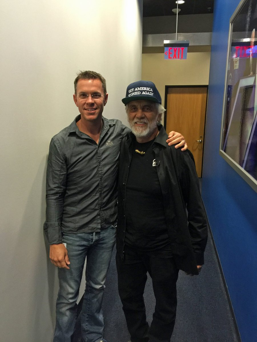 Great cannabis and political convo with @tommychong on @CNNI last night. Legendary...