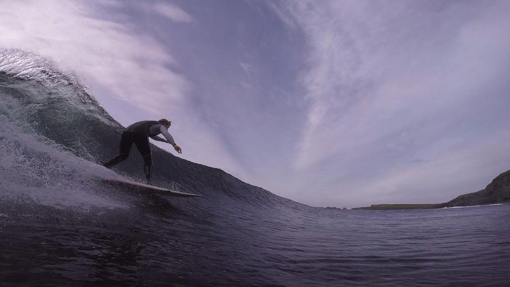 Surf under the #CliffsofMoher with @ollieoflaherty in this cool virtual reality 360° video