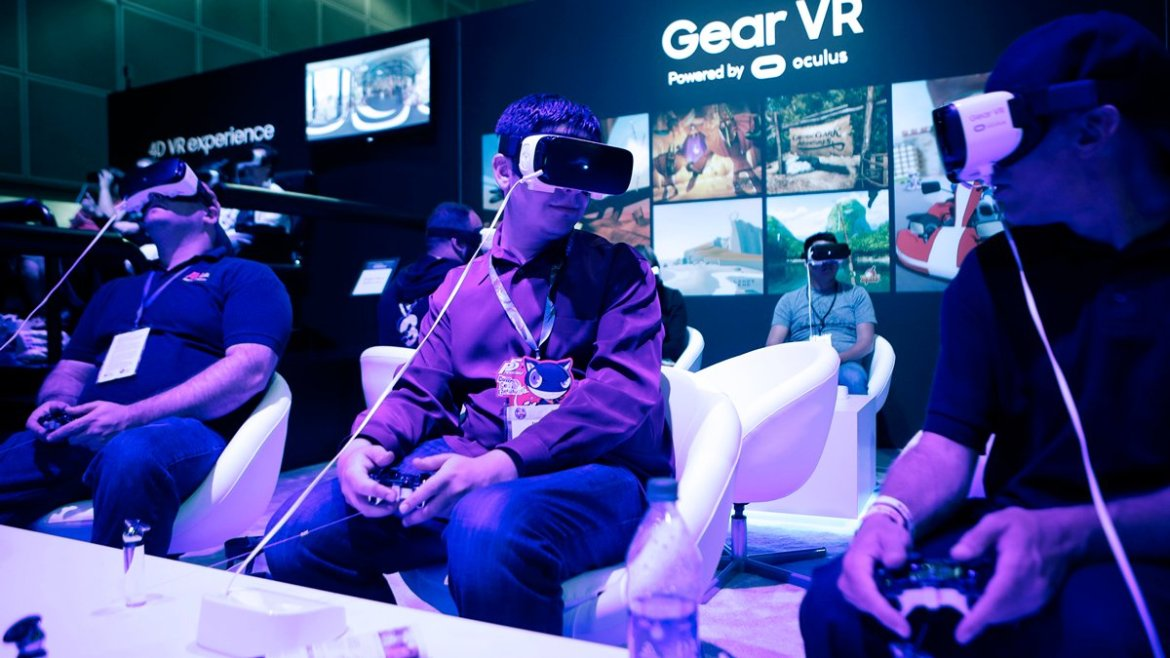 We dropped in on a new reality at #E32016 thanks to the #GearVR
