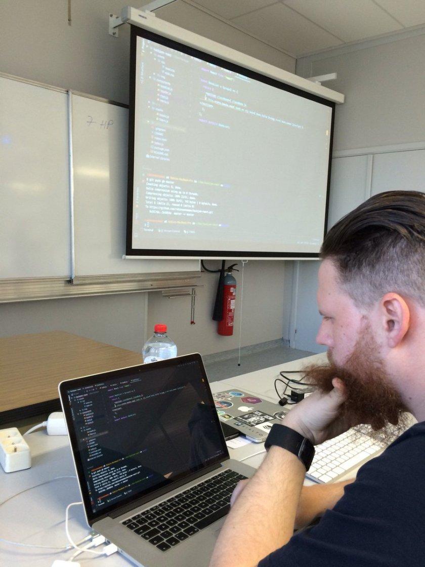 Pair programming @ Hackjam #reactjs (@ HoGent/UGent - Campus Schoonmeersen)