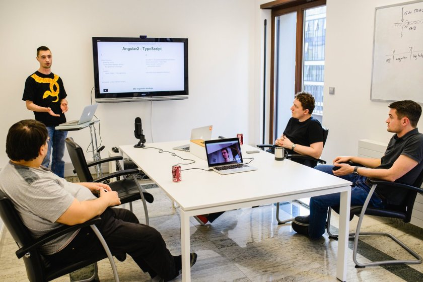 Here's Robert's presentation about #ReactJS vs #AngularJS2 --->   #techtalk #frameworks
