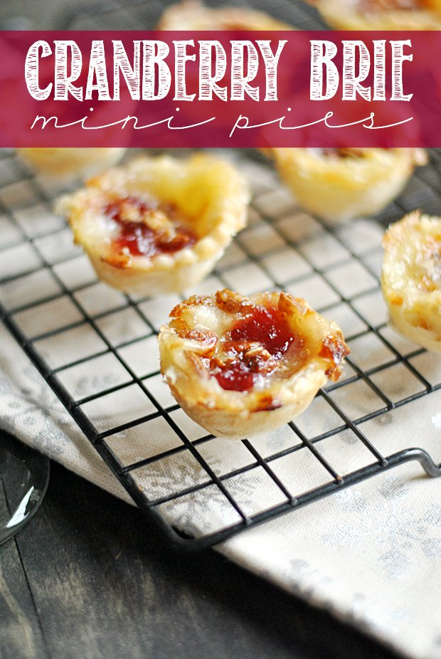 Cranberry Brie Mini Pies are the perfect little ... -