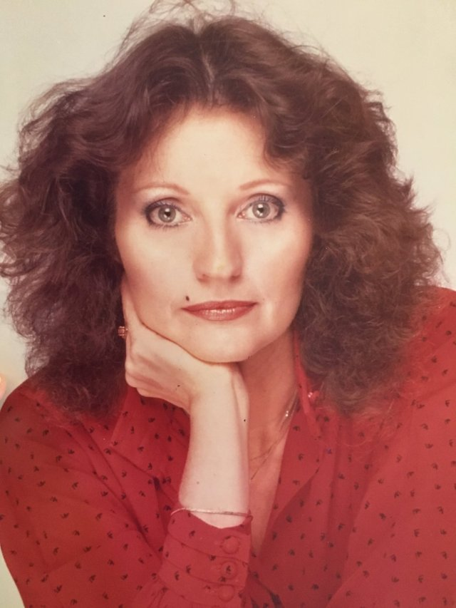 R A The Rugged Man On Twitter This Was My Mom In The 1980s When I Was A Kid I Remember Every Guy We Walked Past Would Stare Check My Mom Out
