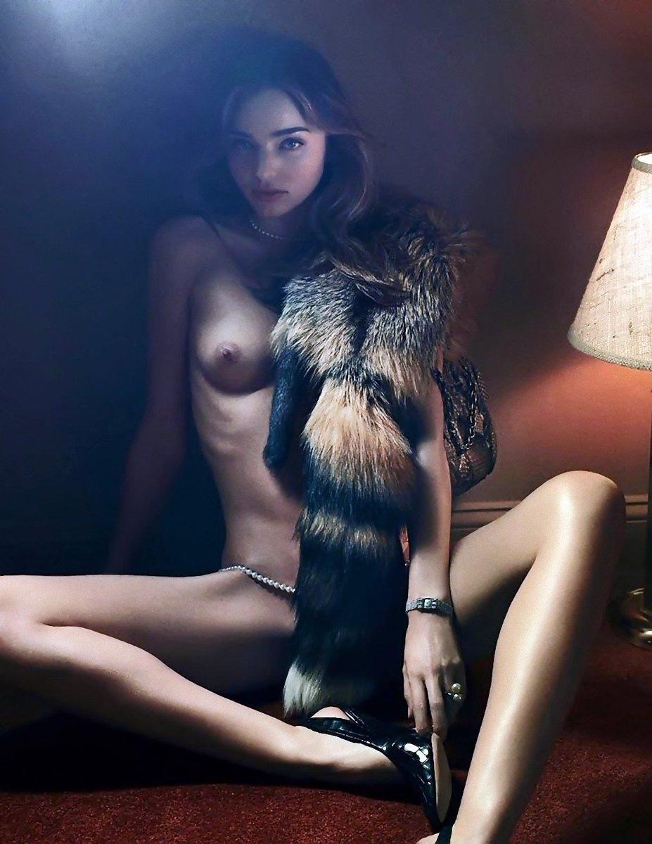 test ツイッターメディア - エロいと思ったらRT♪  秘密の入口⇒「@ent_sex_friend」    #ミランダ・カー #ミランダカー https://t.co/hE31gHQMDT