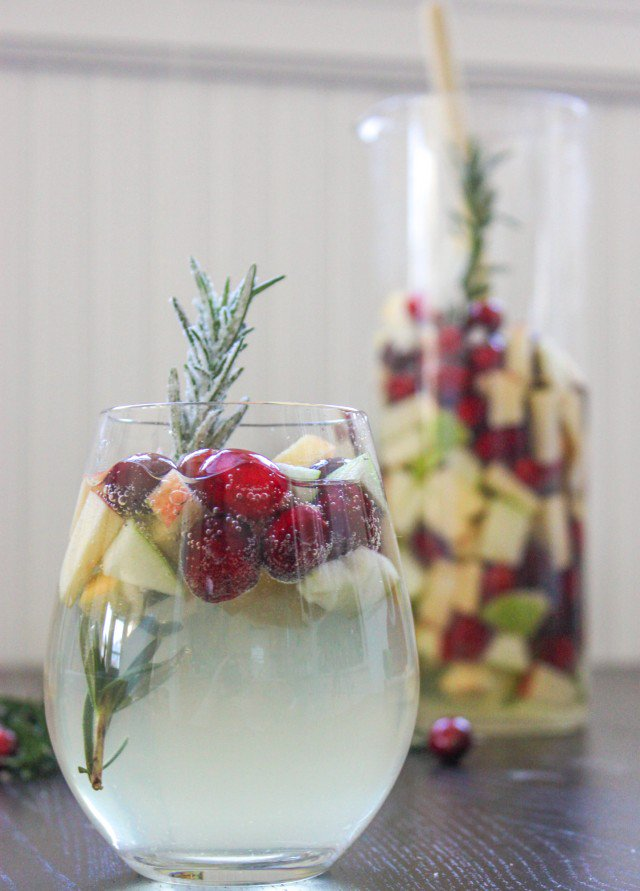 Rosemary Cranberry White Wine Sangria to bring in some ... -