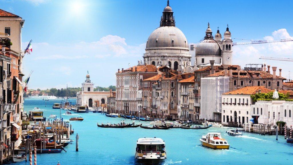 test ツイッターメディア - ジョニー・デップ主演の映画ツーリストの舞台となった「ヴェネツィア」? ヴェネツィアは「水の都」や「アドリア海の真珠」と言われており、移動手段は水上バスか水上タクシーがメインになります? https://t.co/0cnEN3TbvC