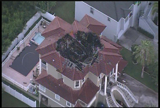 A lightning strike might have been the cause of a fire at a #Largo mansion, officials say