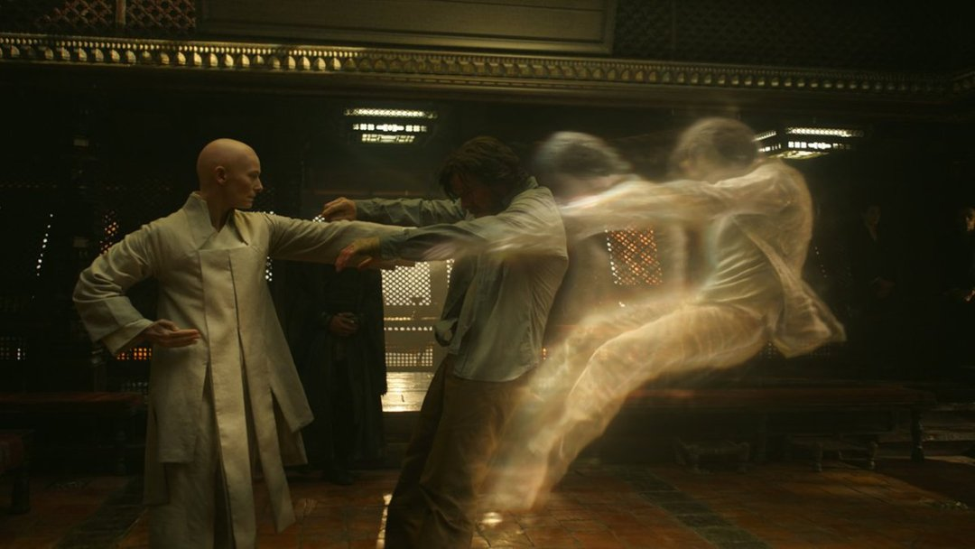 Doctor Strange 'Inside the Magic' Featurette 2