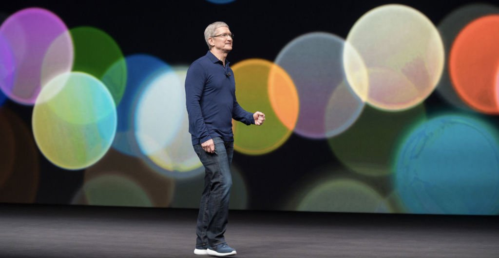 Apple buys small machine learning company, report says