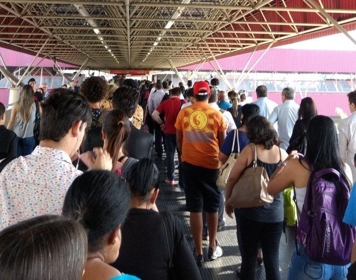 Estação Carrão da Linha 3-Vermelha. (Foto: Denise)