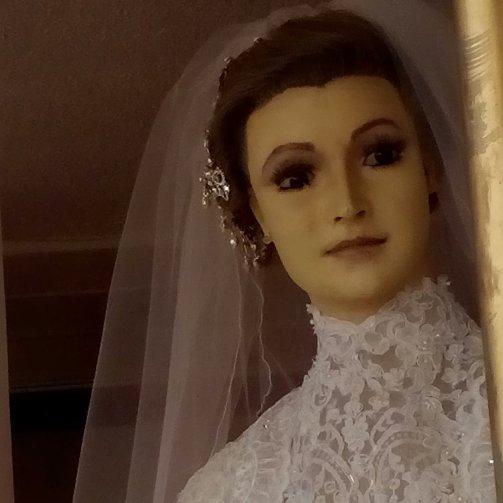Resultado de imagen de novia embalsamada