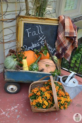Some gorgeous decor ideas - Fall Front Porch Decorating DIY craft Thanksgiving