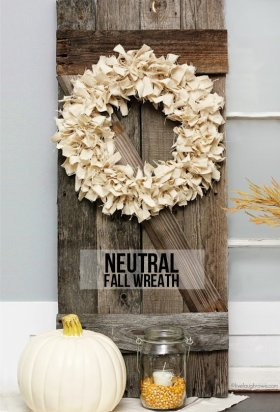 Add texture to even the most neutral decor with this DIY Neutral Fall Wreath craft home