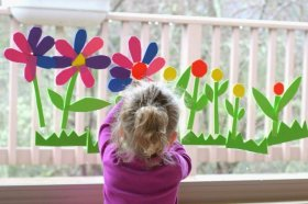 Easy DIY crafts to try with your kids at Saturday funtime crafts play