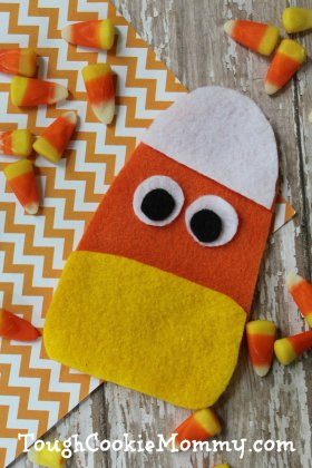 Felt Candy Corn Puppet Craft - Halloween DIY artsandcrafts CandyCorn