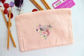 Wow! Loved this tutorial on how to transfer any image to fabric & it's washable! crafts