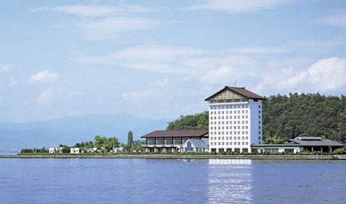test ツイッターメディア - 【滋賀県彦根市】 鳥人間コンテスト?で有名な琵琶湖畔の三角屋根のあのホテルは、実は意外に安く泊まれる。 https://t.co/dNgbVbEikY  https://t.co/jx2cag1Jki