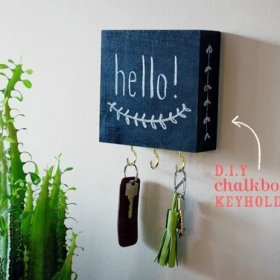 Chalkboard key holder home diy