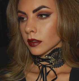 Vamp it up with GloMineralsUK Contour Kit. Get yours: mua makeup beauty