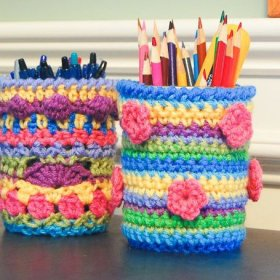 Colorful crochet mason jar school kids diy