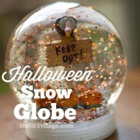 Snowglobes can be used for Halloween too! Get creative with jars: kids DIY craft