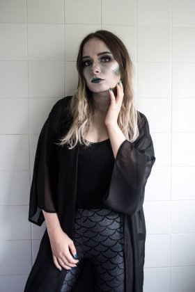 Need an easy Halloween costume? !bbloggers lbloggers FemaleBloggerRT
