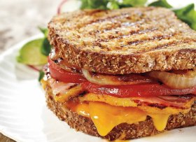 Bacon grilled cheese sandwich _recipes ://