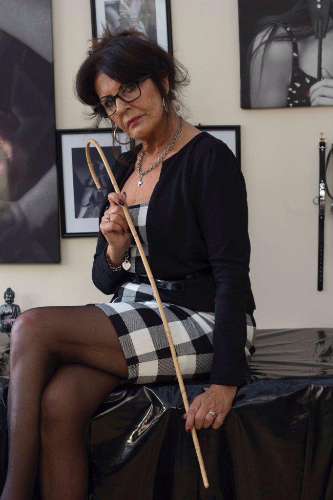 mistress sofia on Twitter Sundays arent complete
