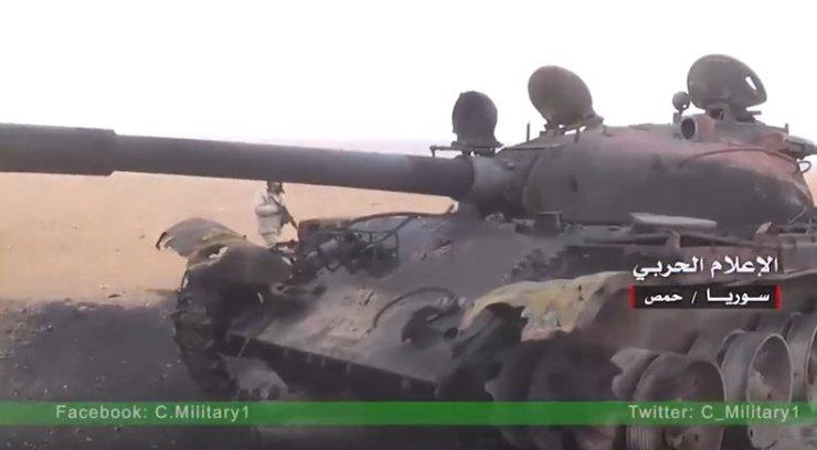 """Cz5-N3CUQAAEIFQ Анализ опыта и тактики боевого применения танков """"Халифата"""" в Сирии и Ираке"""