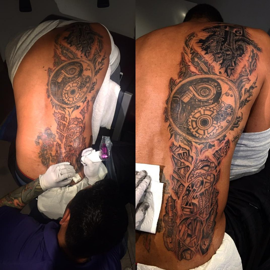 Tim Duncan, yes that Tim Duncan, reveals he really is a machine with his new tattoo