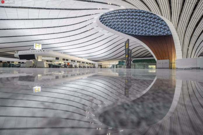 Очень китайский аэропорт