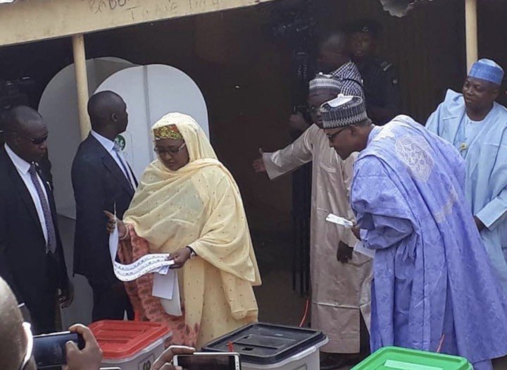 D0FF rWX0AApraw - Buhari caught peeping into Aisha's ballot papers, INEC must sanction him