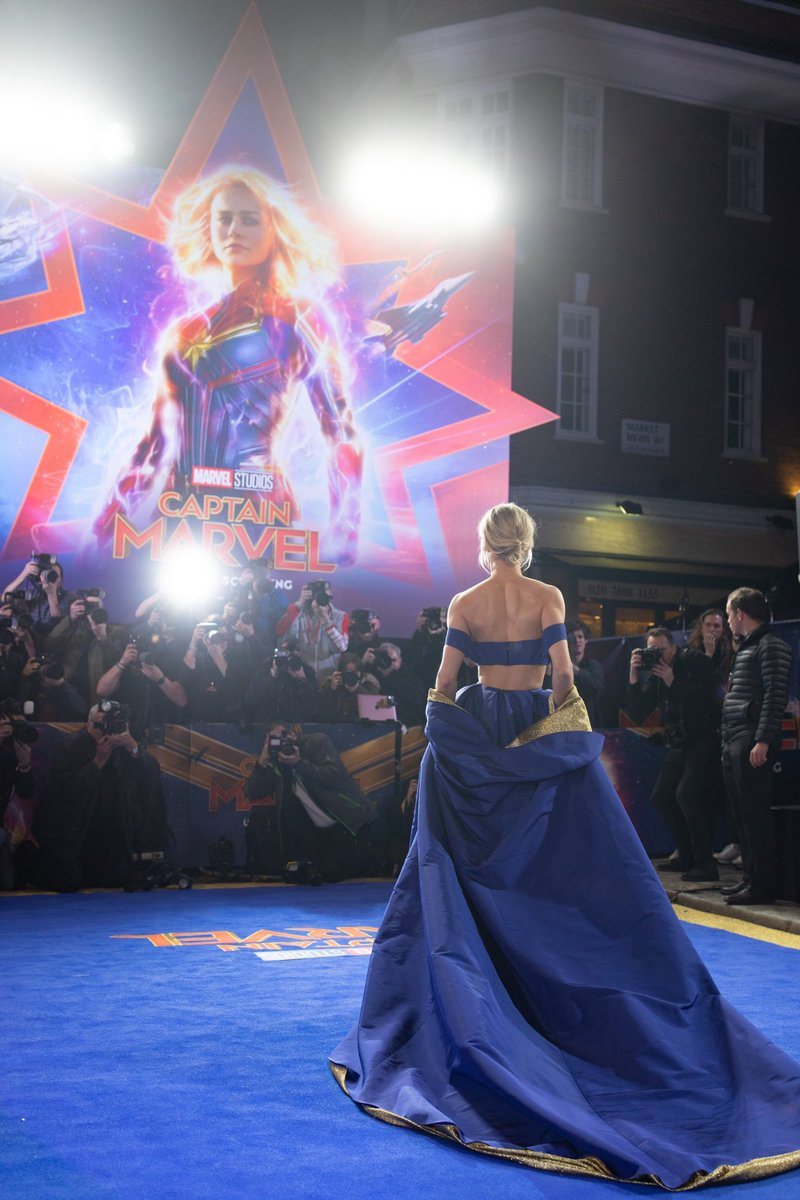 brie larson turns up the glam at captain marvel premiere ✨