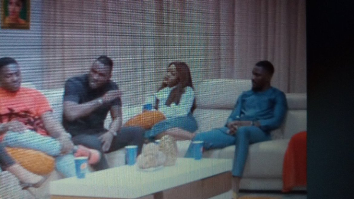 D2nJHW3X4AAUUdI - BBNaija Reunion: What Nigerians Are Saying After Cee-C And Tobi Wore matching colors To The Show Is A Must Read