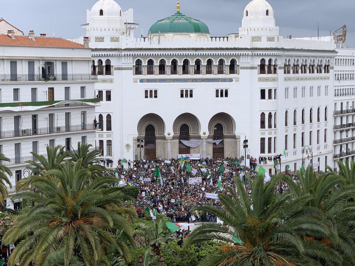 9e vendredi : Les marches populaires imposantes 3