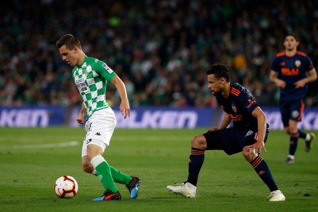 ماندي أساسي في هزيمة ريال بيتيس امام فالنسيا 26