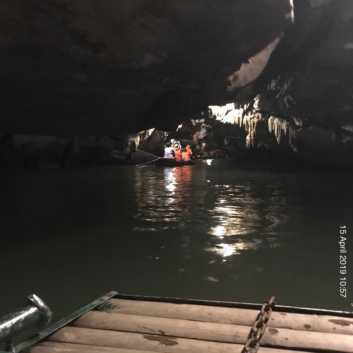 Paddling through caves of Ninh Bình