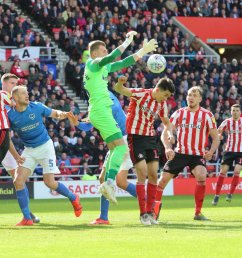 sunderland afc on twitter 85 safc 1 1 pompey into the final few minutes willgrigg clips the post as mcgeady lifts one in towards the near post  [ 1200 x 710 Pixel ]