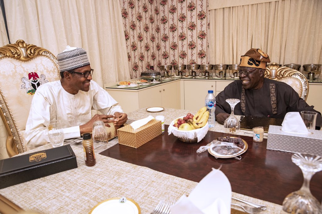 D6O3JqQW0AAY7Tr - Despite feud rumours, Buhari breaks fast with Tinubu (Photo)
