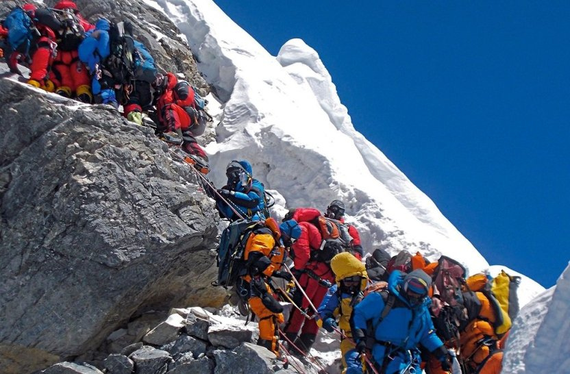 D7Rr91qWwAEqzx7 - Everest abarrotado, suman 20 alpinistas muertos en el Himalaya
