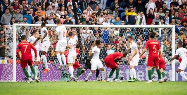 رونالدو يقود البرتغال إلى نهائي دوري الأمم بهاتريك في مرمى سويسرا 28