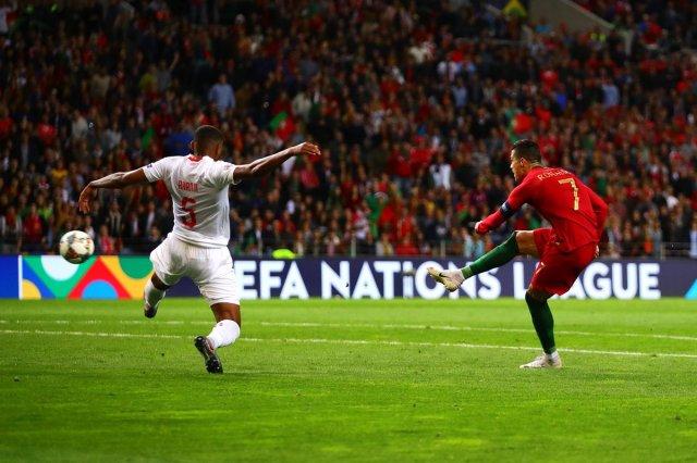 رونالدو يقود البرتغال إلى نهائي دوري الأمم بهاتريك في مرمى سويسرا 30