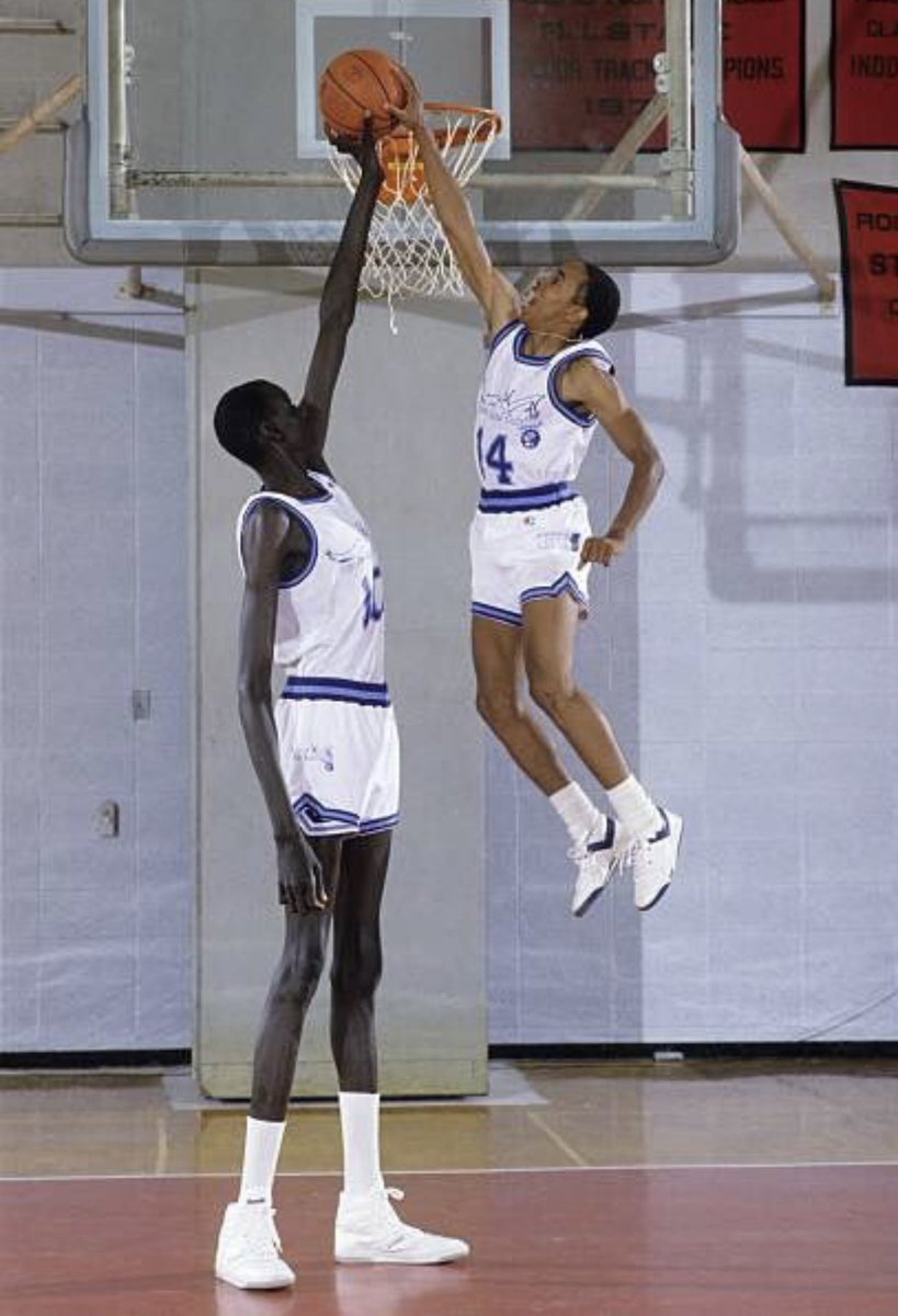 Manute Bol Pool : manute, Darren, Rovell, Twitter:, Honor, Getting, Drafted,, Pictures, Father, Manute, Swimming, Pool,, Teammate, Webb,, Perspective