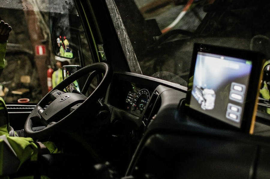 Self-driving truck moves deep underground | #DataScience #IoT #RT