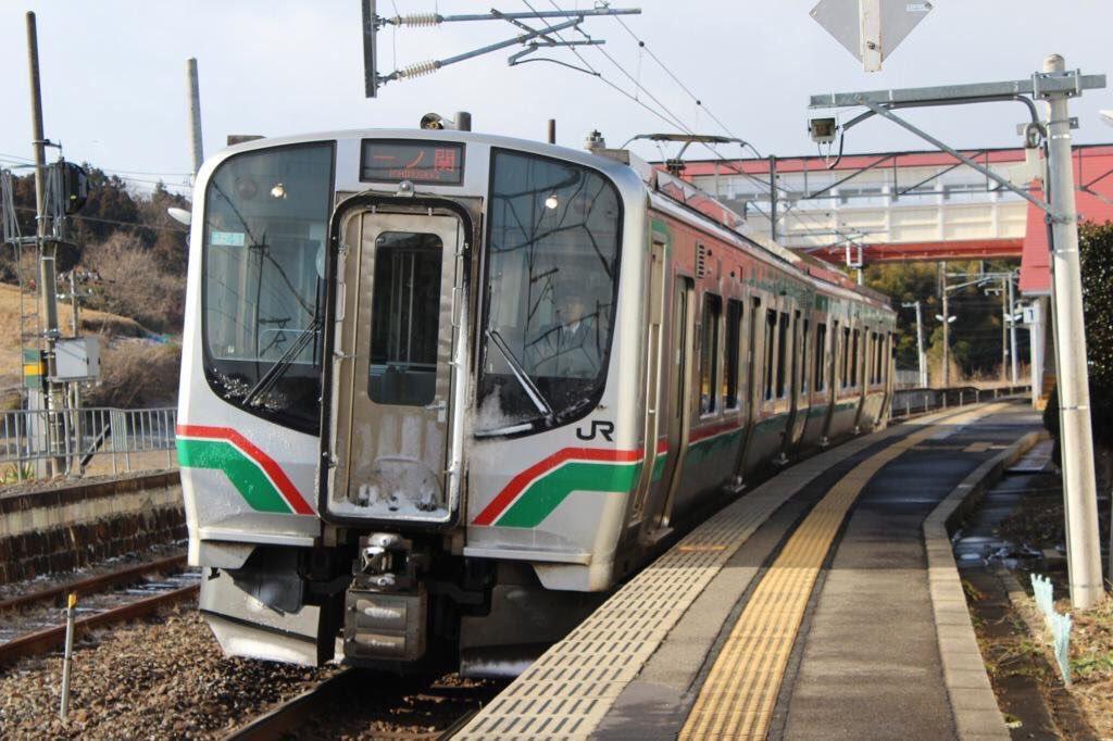 test ツイッターメディア - E721系 JR東日本が開発した一般型電車。仙台支社の車両更新と仙台空港アクセス線の開業に合わせて開発された。内装は首都圏のE233系に準じている。JRの他に仙台空港アクセス線、青い森鉄道でもE721系をベースとした車両が在籍。https://t.co/WNke2LocjP
