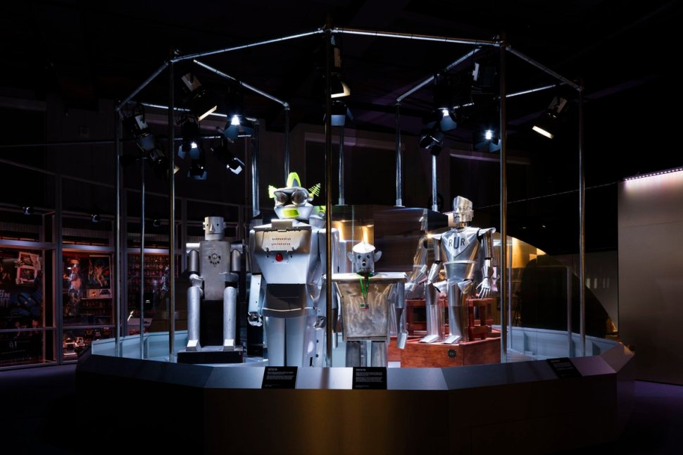 test Twitter Media - We're thrilled to host the launch of @UKRobotics week in our #Robots exhibition this evening #UKRW17 https://t.co/IDe3T95oG3 https://t.co/KevWBmkBnE